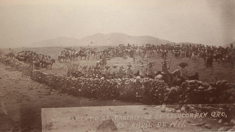 Campamento de los Maderistas que tomaron la plaza de Teloloapan en abril de 1911 con motivo del inicio de la Revolución Mexicana. Fotografía de Sara Castrejón.