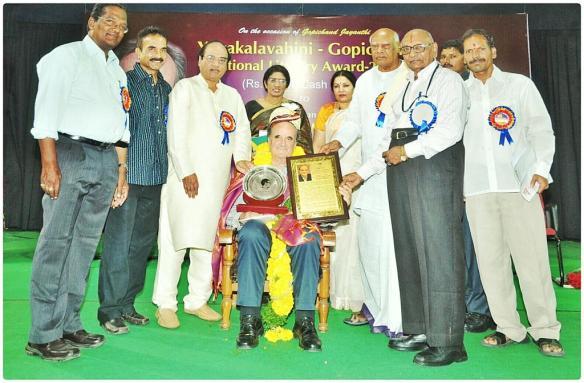 From your left: Y. K Nageswara Rao, Saichand, Saripalli Kondal Rao, Sir Mark Tully, Sri Latha, Dr Sunaina Singh, Dr T H Chowdary