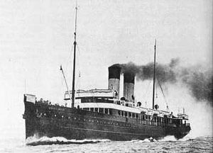 passenger liner / merchant ship