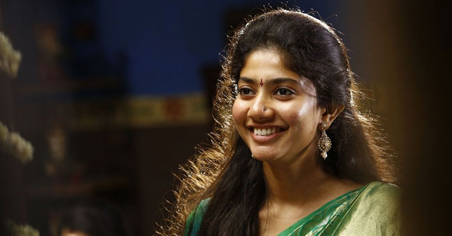 Sai Pallavi is going to act like a 1990 village girl
