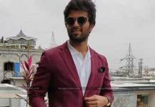 Vijay Devarakonda Not Use His Vote In Telangana