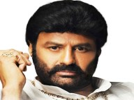 balakrishna will give mahanayakudu rights free