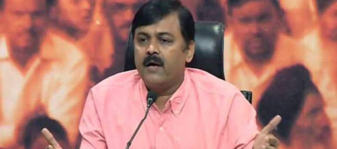 Ggvl narasimharao fire on chandrababunaidu