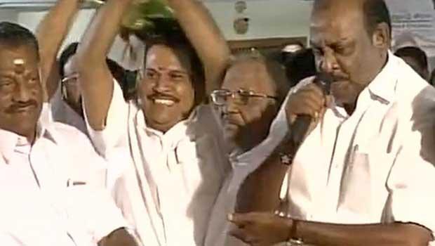 seravanan jump to panneer selvam party