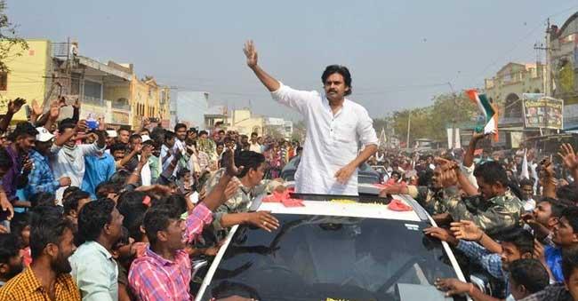 Pawan Kalyan To Help KCR In Telangana?