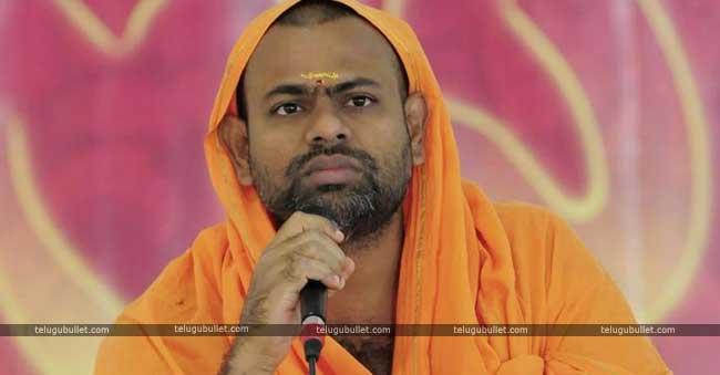 Can Paripoornananda Win With AP Tag In Telangana?