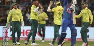 De Kock Leads Proteas to 9-wicket Win After India's Batting Collapses