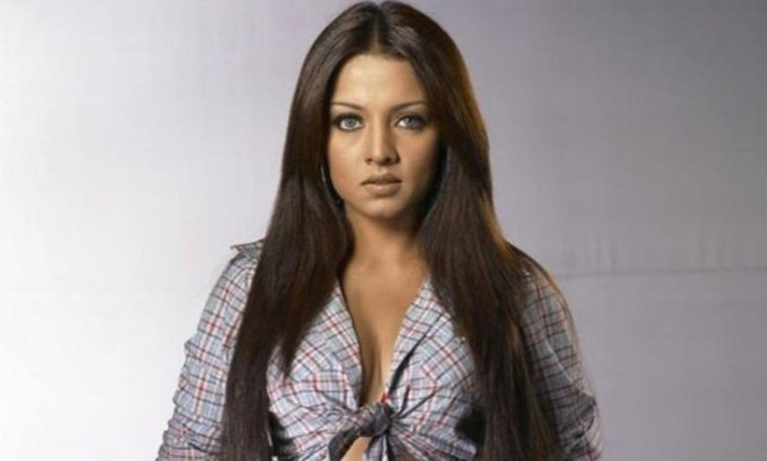 Celina Jaitley: Felt extremely weak after giving birth to twins