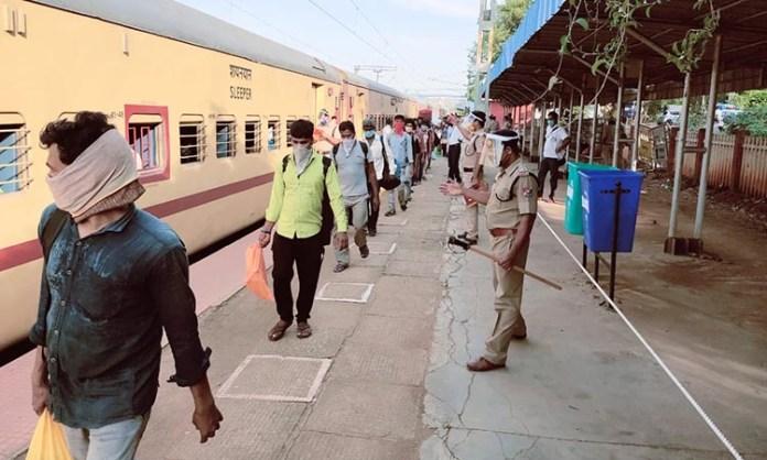 Passengers need to arrive 90 minutes before train departure: RPF DG