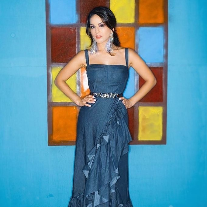 Sunny Leone is 'tired of feeling blue'