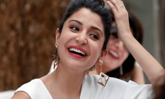Anushka hits back at Gavaskar: Your message is distasteful