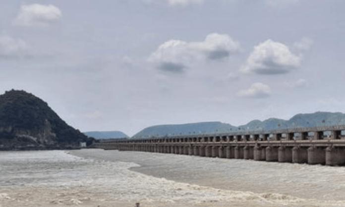 YSRCP leader criticises TDP for floods in Vijayawada