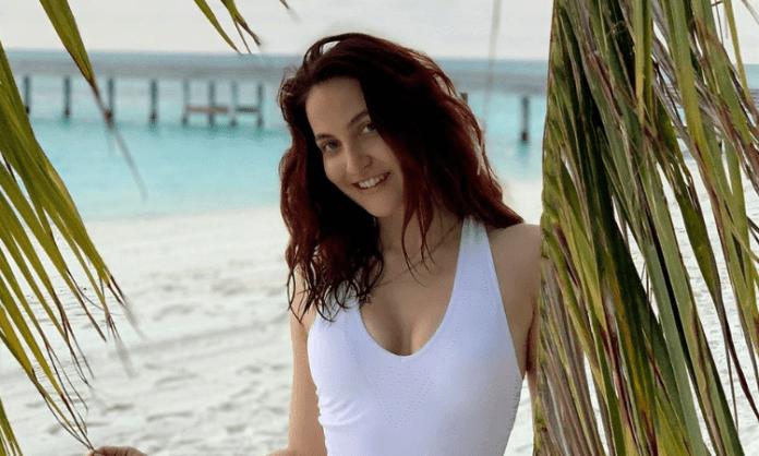 Elli AvrRam: Aamir Khan did not make me feel intimidated