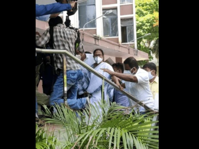 Law and order deteriorates in Kolkata after CBI arrests
