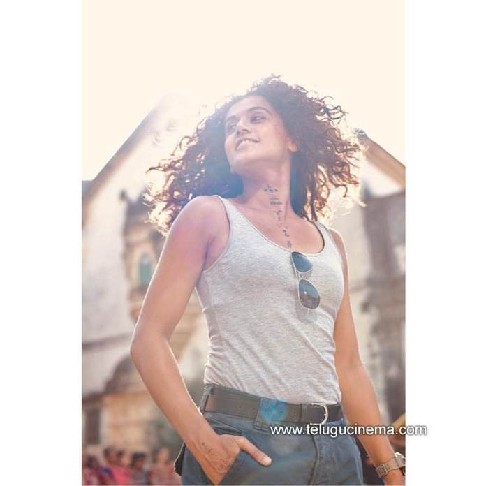 Tapsee turns head with this pic