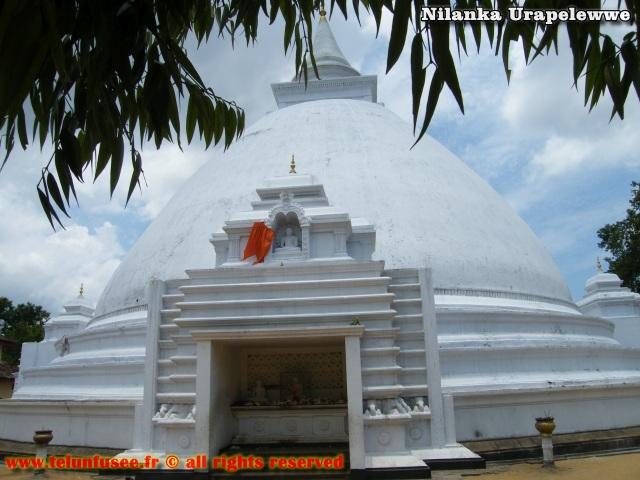 nilanka-urapelewwe-blog-voyage-sri-lanka-kelaniya-temple-travel-blog-telunfusee-13