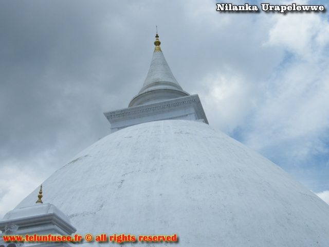 nilanka-urapelewwe-blog-voyage-sri-lanka-kelaniya-temple-travel-blog-telunfusee-14