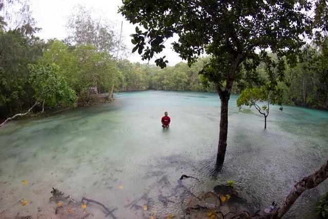 Berenang di Danau Soli Kecil