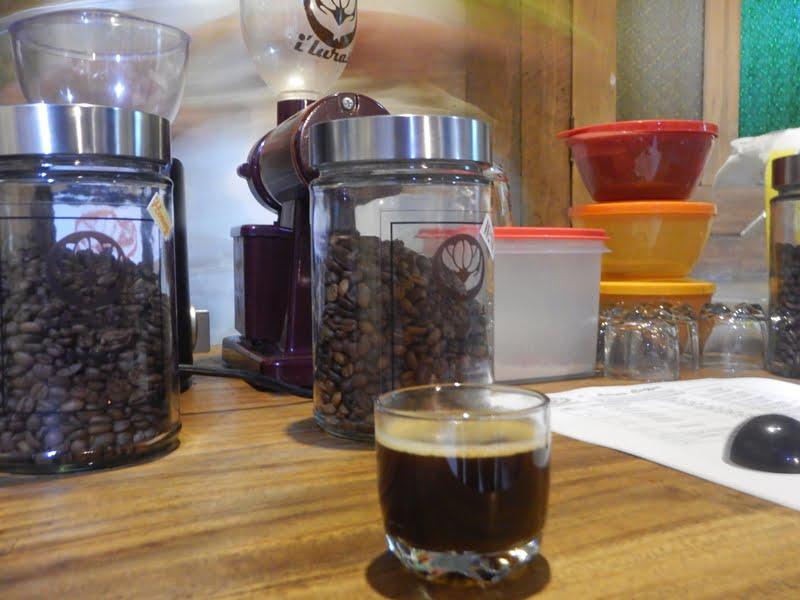 Ngopi di i'Laras Traditional Coffee Magelang Dulu, Yuk!
