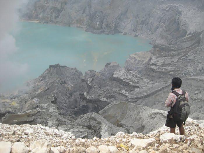 Ada Danau Indah di 11 Gunung Ini