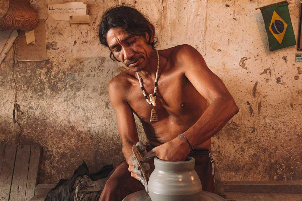 Um dos principais atrativos da Ilha do Marajó são os seus ateliês de artesanato em cerâmica