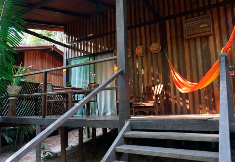 Entrada do bangalô do Vila de Alter - Hotel Sustentável em Alter do Chão