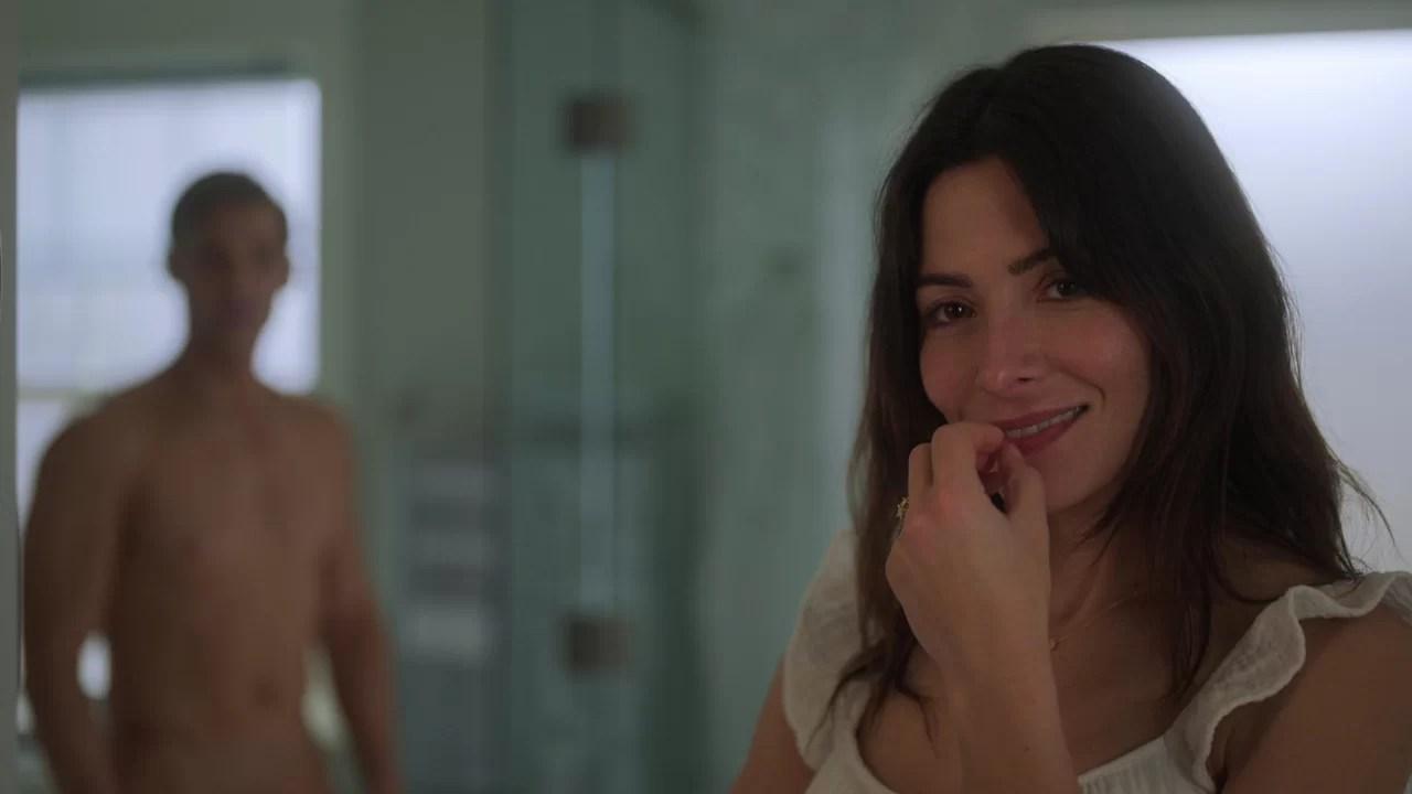"""Netflix anuncia série """"proibida"""" com base no romance 44 Capítulos sobre 4  Homens"""