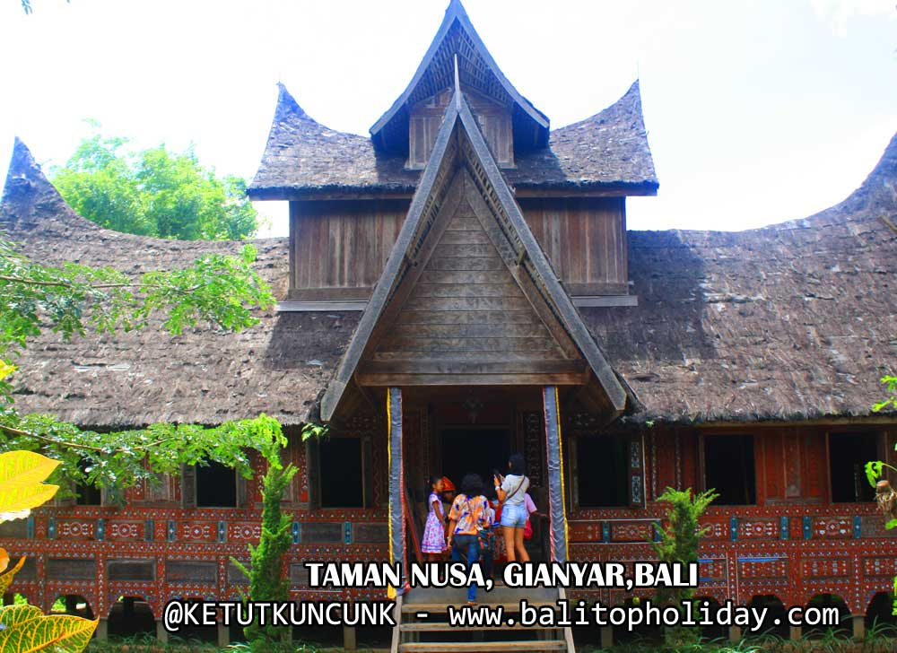 Taman Nusa Gianyar , Bali