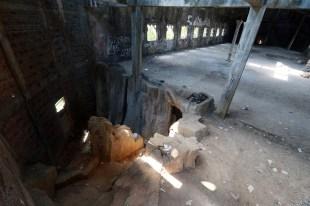 Gereja Ayam - Jalan menuju ruang bawah (dok. temansetaman)