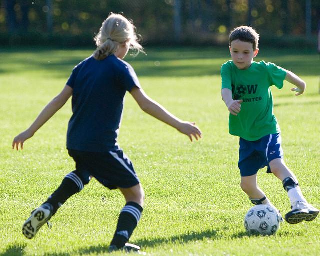 bakat anak sepak bola