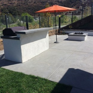 BBQ with stucco finish and two level counter