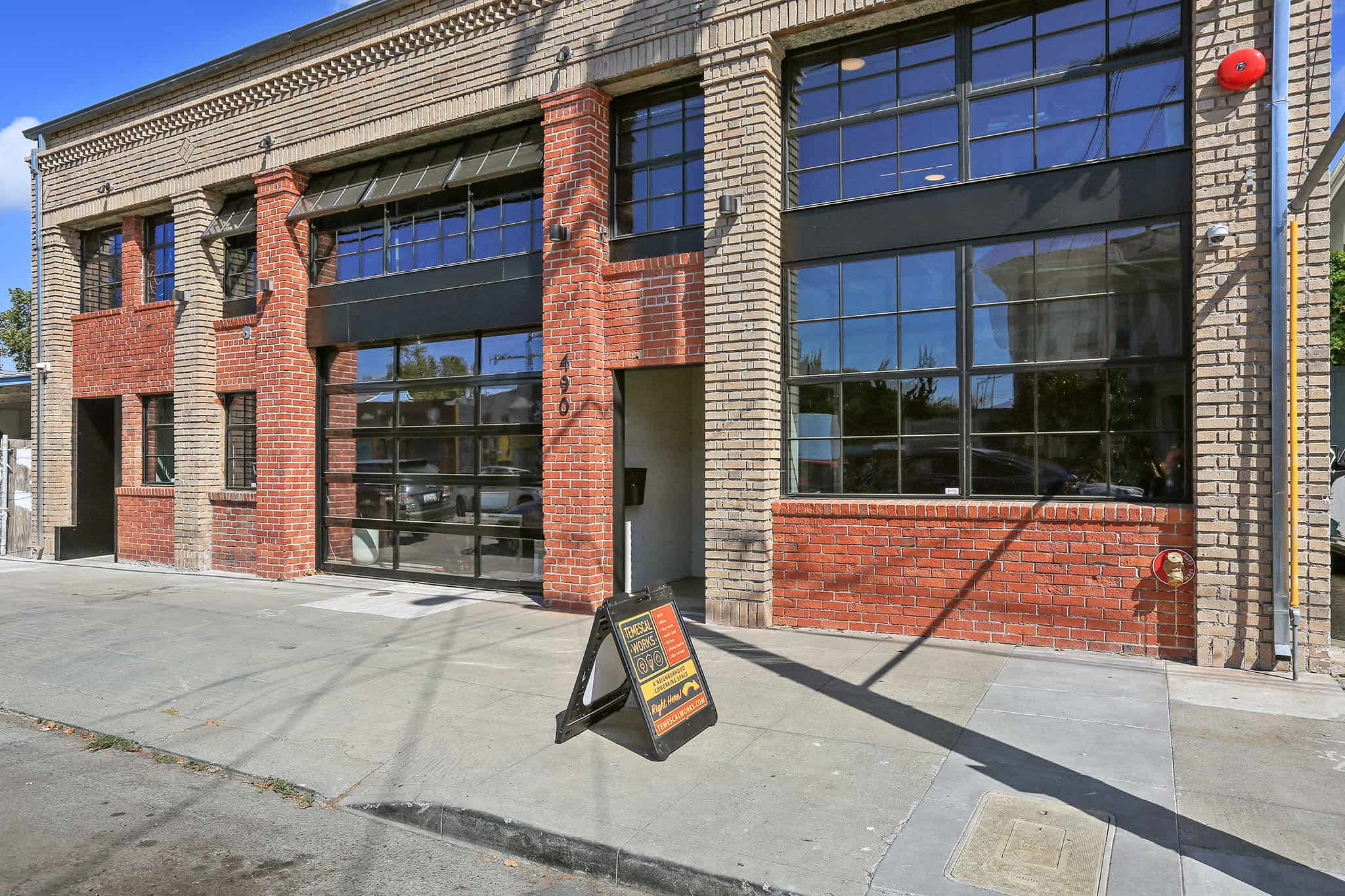 Photo of Temescal Works exterior / 490 43rd St.