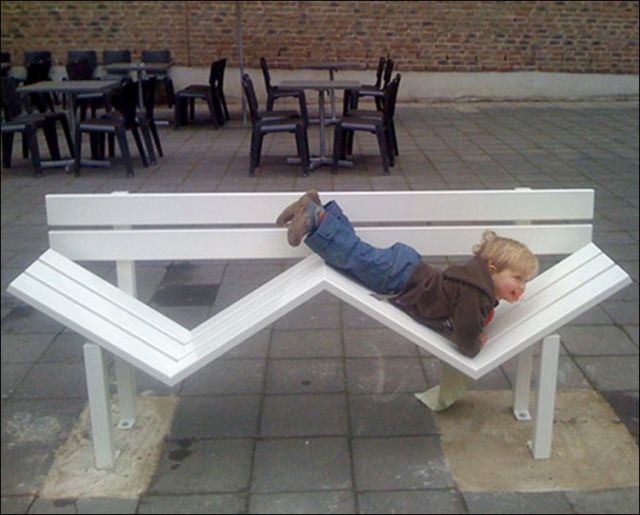 the_oddest_public_benches_in_the_world_640_21