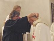Handauflegung durch Pfarrerin Voigt