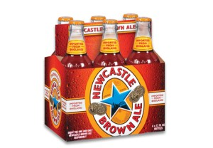 Newcastle_Brown_Ale_6-pack (WikiCommons-LokkoRobson)
