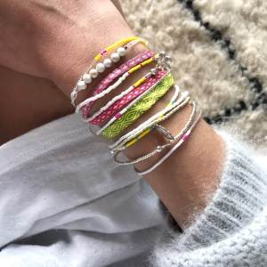 Argantina-bracelet-pink-white-woven-bracelet-templestones-3