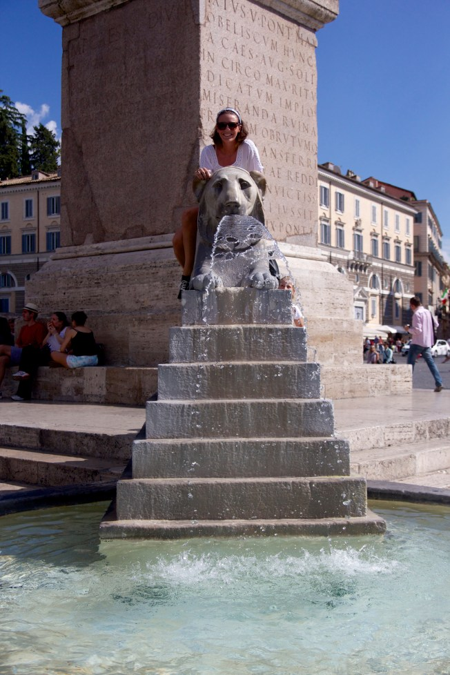 Acting like a tourist in Piazza Popolo.