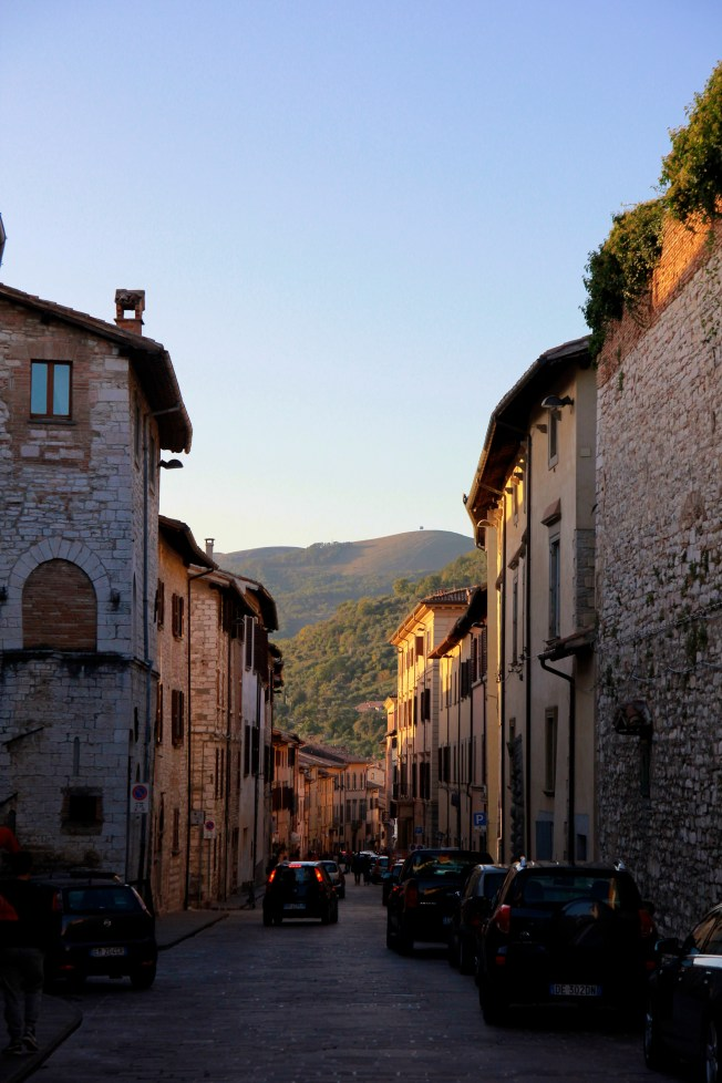 Sunsetting on the main street of the Gubbio.