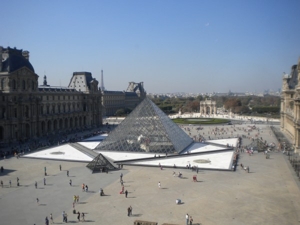 Louvre 18 Courtyard Temporarily Lost