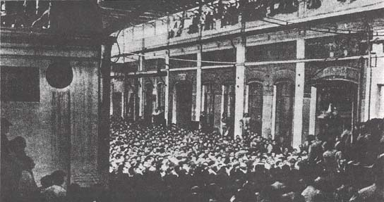 Workers assembly in an occupied Fiat Plant, Turin, 1920.