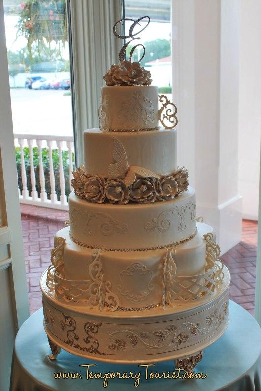 disney-wedding-cake-1