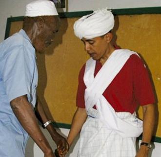 Barack Obama, lors dune visite au Kenya, en 2006