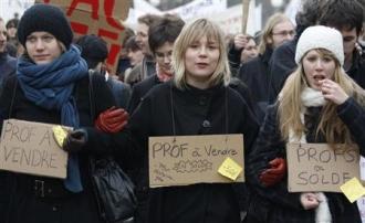Des enseignants, chercheurs et des étudiants manifestant à Strasbourg le 26 février