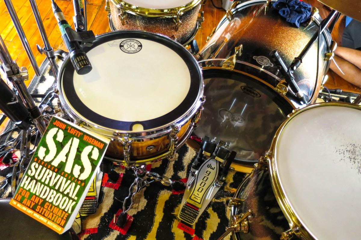 Mungkin Tak Ada di Buku SOEKAMTI GOES TO PAPUA #5: Tahu-tahu Take Drum
