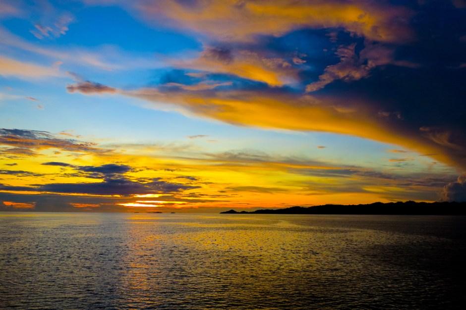 Sunset Papua Tanda Pergantian Hari