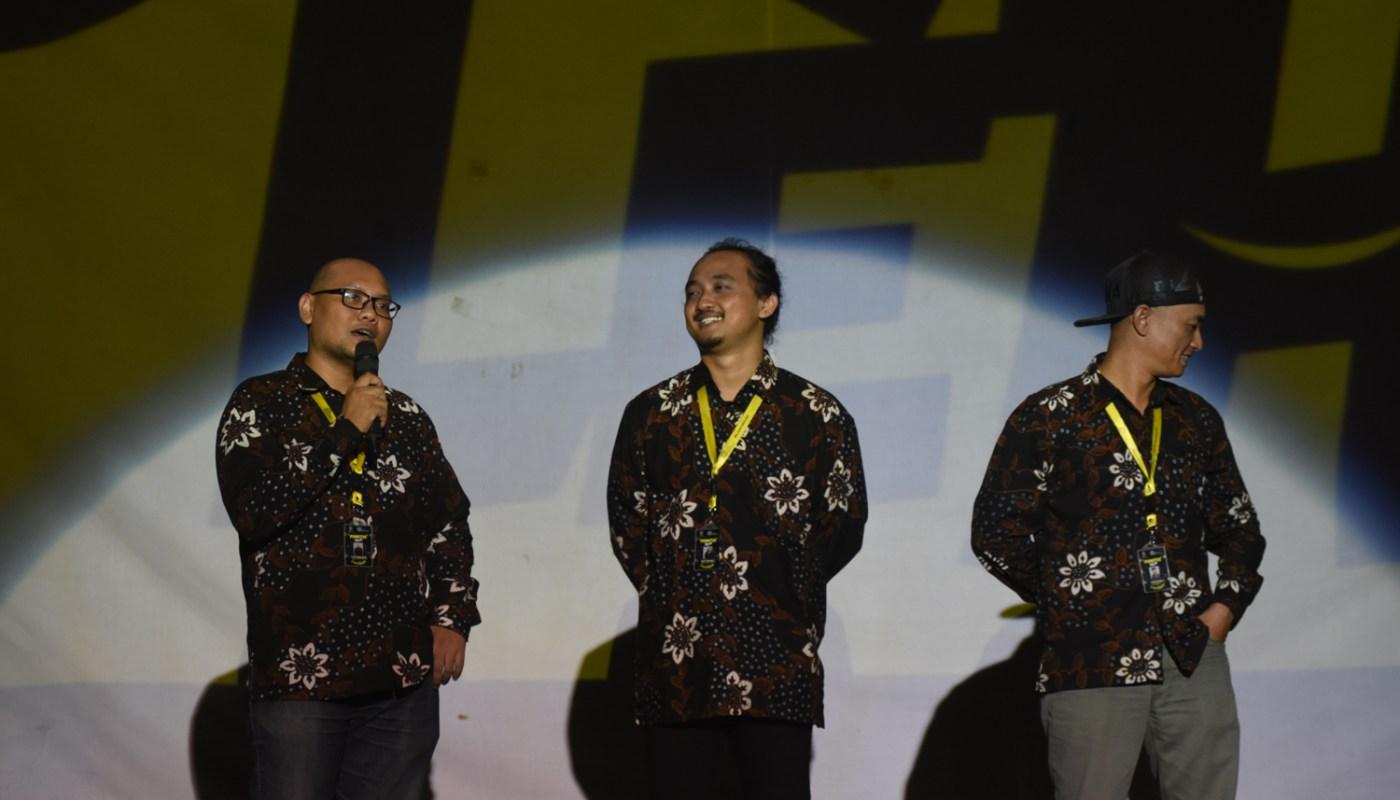 Official Dok FKY 30 - Tiga ketua FKY (Setyo Harwanto, Ishari Sahida, dan Roby Setiawan) saling berbagi cerita, kenangan, dan pengalaman menjadi ketua panitia FKY 25- FKY 30