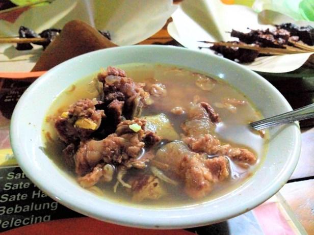 makanan khas lombok bebalung sapi