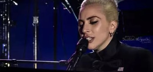 Lady Gaga e Bradley Cooper, sarebbero in vacanze insieme in Italia. A lanciare lo scoop è stato Gabriele Parpiglia ai microfoni Radio Deejay.