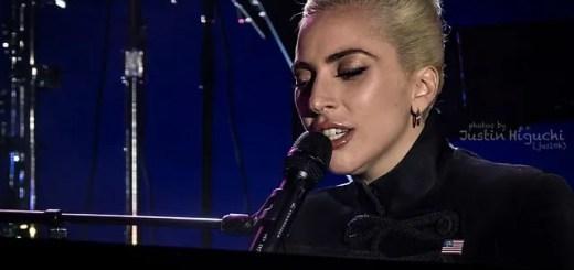Las Vegas Lady Gaga cade dal palco insieme a un fan