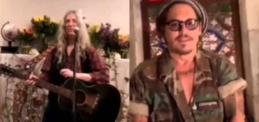 Artisti concerto social Johnny Depp Patti Smith video